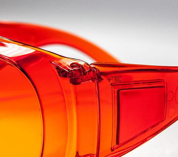 okulary ochronne overspec zolte4 570x502 - Przyłbice i okulary medyczne - sesja fotograficzna